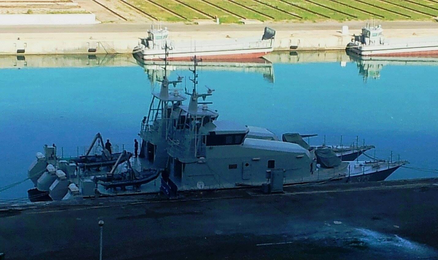الجزائر تبني محليا 3 سفن LCM نسخة ايطالية بحمولة 30 طن  - صفحة 2 11260767_946745535368181_938202405_o