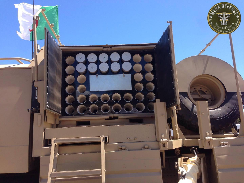 العراق يعيد للخدمه مدفعيه D-30 عيار 122 ملم محموله على الشاحنات  Zetrosd304