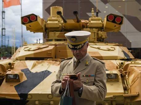 """Алжир приобрел более 300 боевых машин БМПТ-72 """"Терминатор-2"""""""