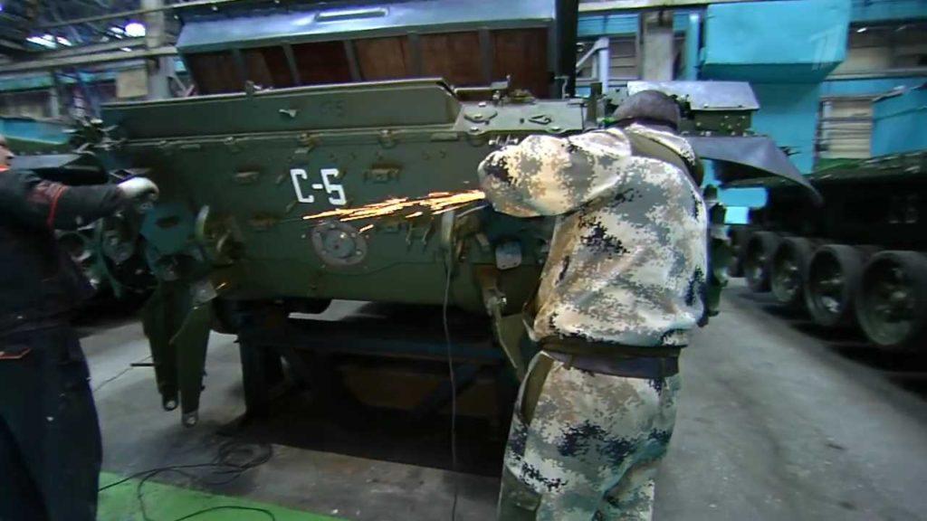 الجزائر اشترت من روسيا راجمات الصواريخ TOS-1A  - صفحة 2 Tos1ADZ3-1024x576