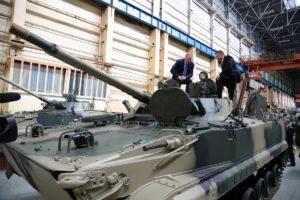 العراق يستلم بضعة دزينات من العربة القتالية الروسية BMP-3. 172a5414-300x200